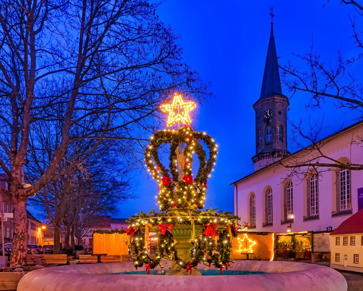 Weihnachtsbrunnen Schwabenheim - (c) eric immerheiser